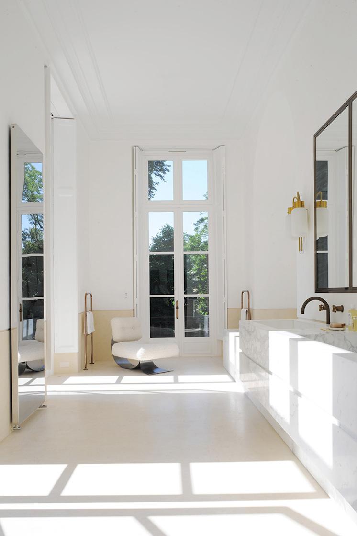 Est-Magazine-Joseph-Dirand-paris-bathroom-Adrien-Dirand